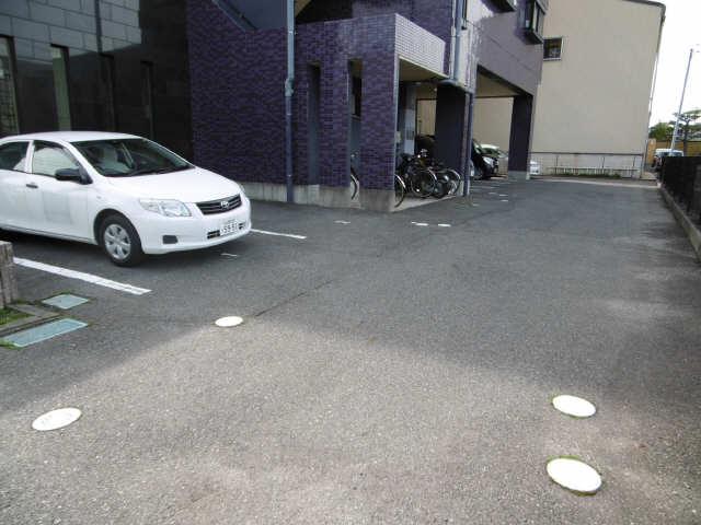 アメジスト・セラ 6階 駐車場