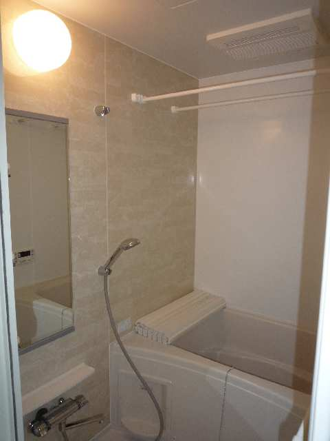 ヘーベルヒルズkouei 1階 浴室