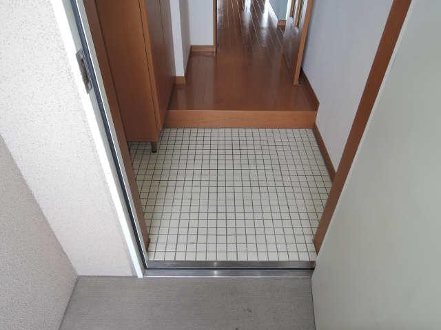 ファイーブ土穴 4階 玄関