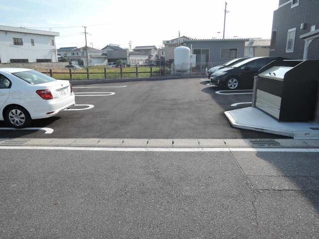 モンテソニード 駐車場
