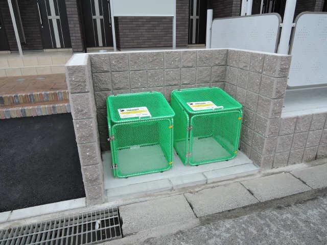 スカイレジデンスⅡ 3階 ゴミステーション