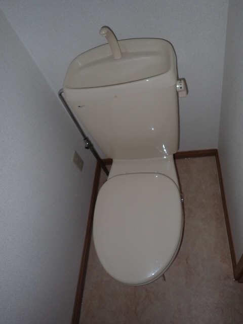 カーサアイリス D棟 2階 WC