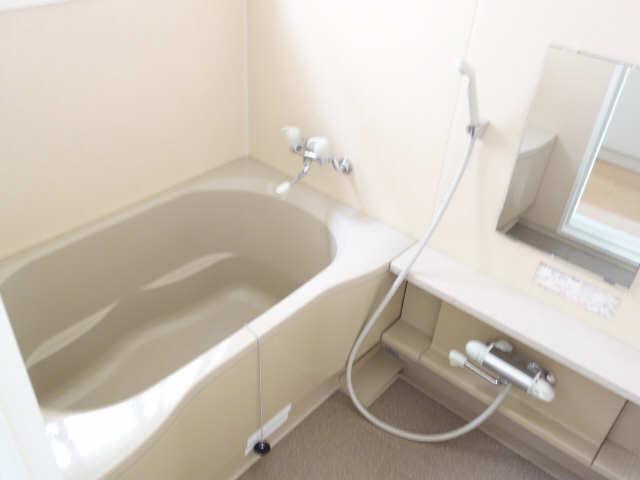 エレンシアール 1階 浴室