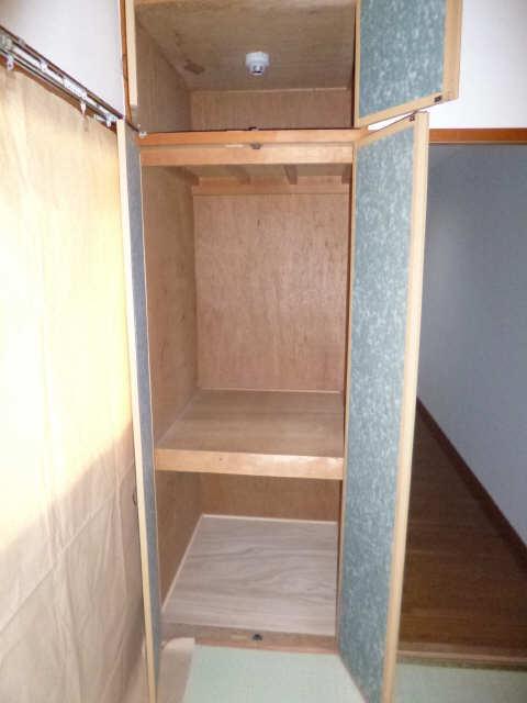ネオ岩崎台 3階 収納