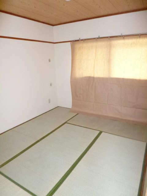 ネオ岩崎台 3階 和室