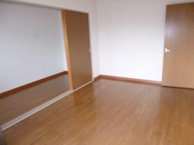 ネオ岩崎台 3階 室内