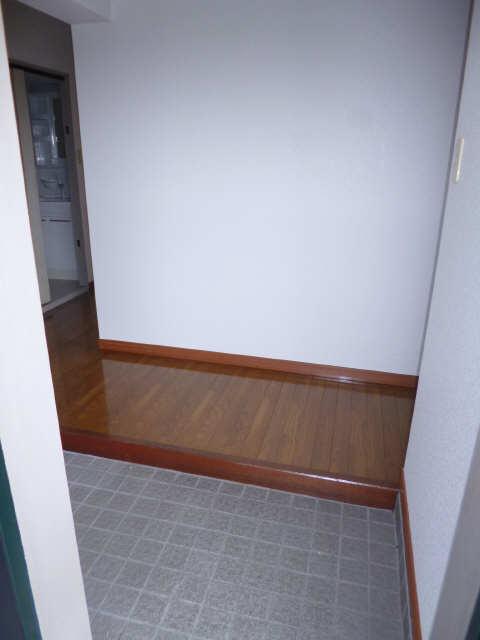 ネオ岩崎台 3階 玄関