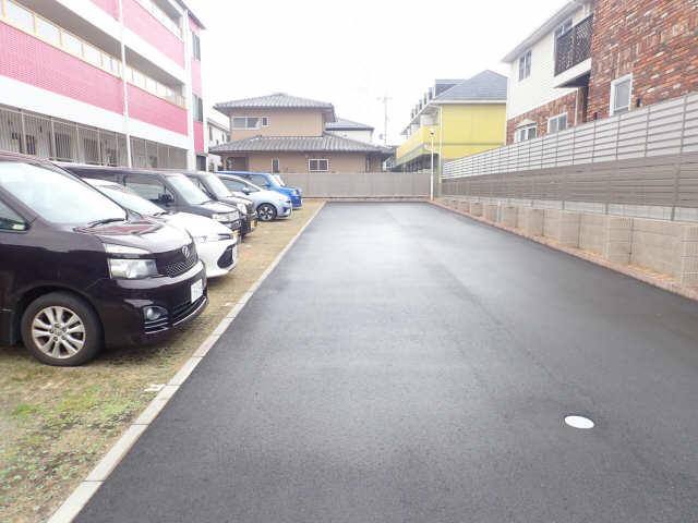 GNO.1三美一愛 1階 駐車場