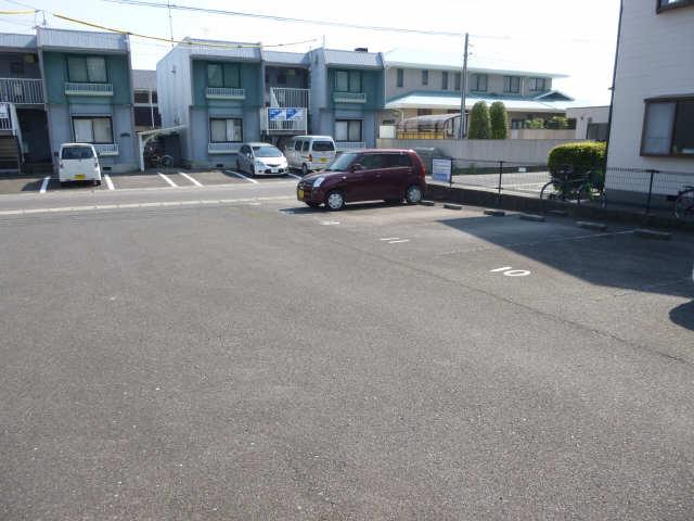 グリーンパーク西条台 1階 駐車場