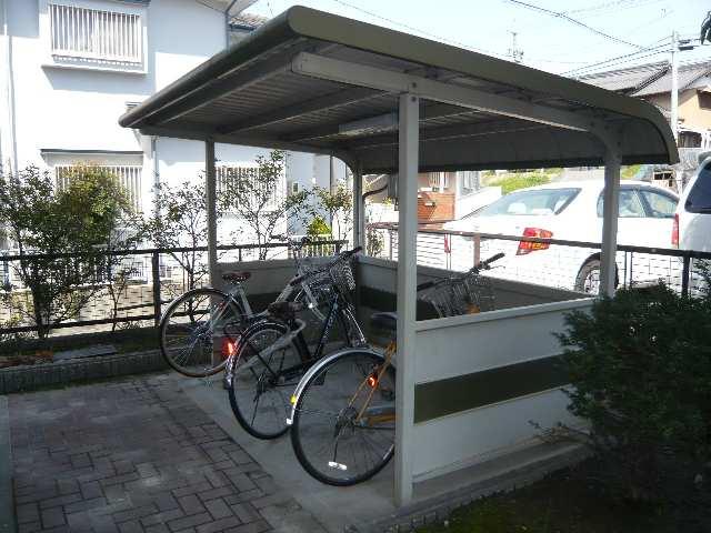 パークサイドサンアーバンA棟 3階 自転車置場