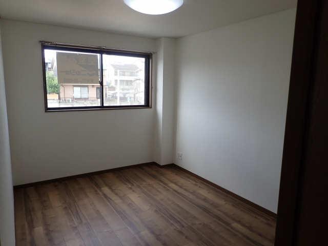 パークサイドサンアーバンA棟 3階 洋室