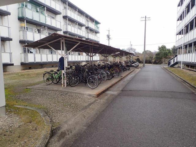 ビレッジハウス藤島 4号棟 3階 駐輪場