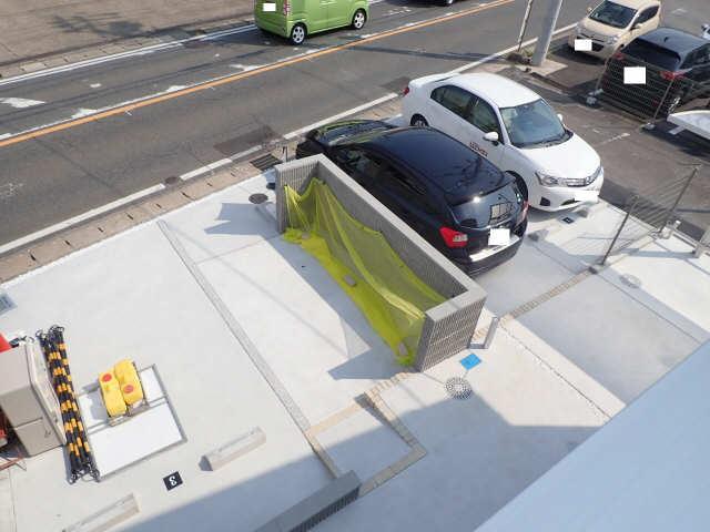 ブルースカイT 1階 駐車場