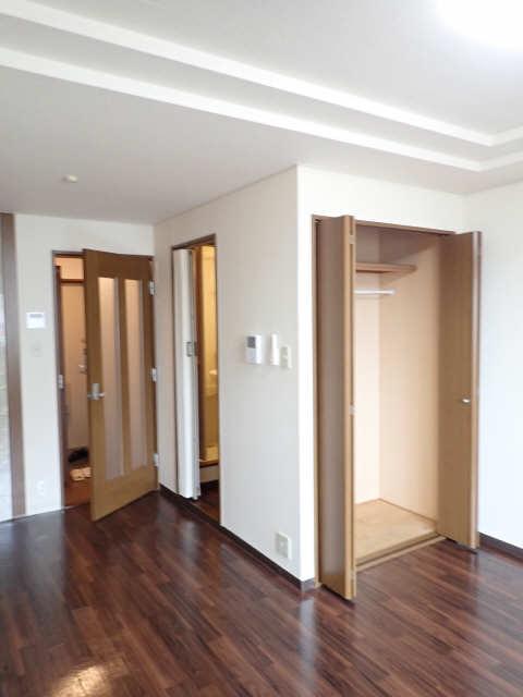 ラフィーネ21 2階 室内