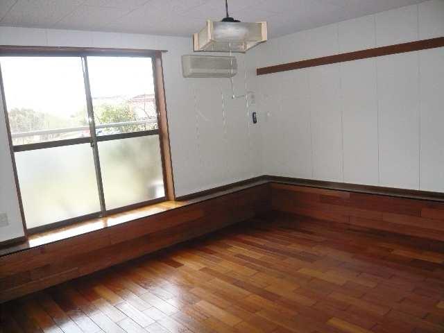 広栄荘7棟 2階 室内