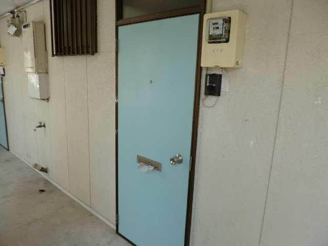 広栄荘7棟 2階 玄関