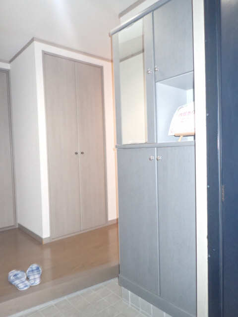 プレシアス赤城Ⅱ 2階 シューズBOX
