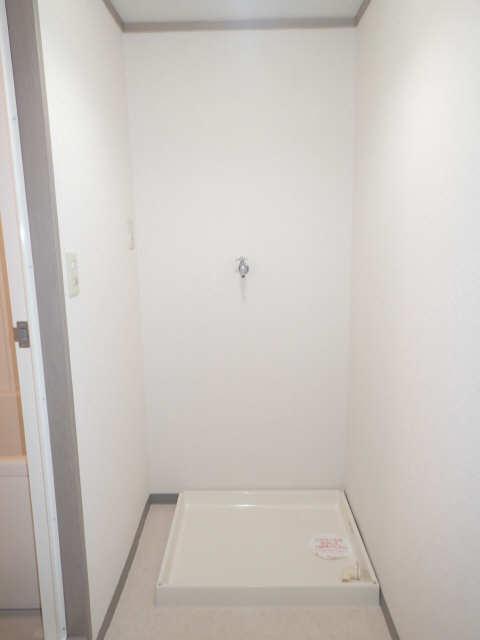 プレシアス赤城Ⅱ 2階 洗濯機置場
