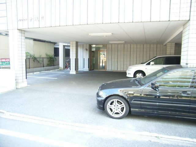 プレシアス赤城Ⅱ 2階 駐車場