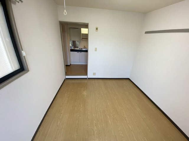 パークサイド江向 2階 洋室