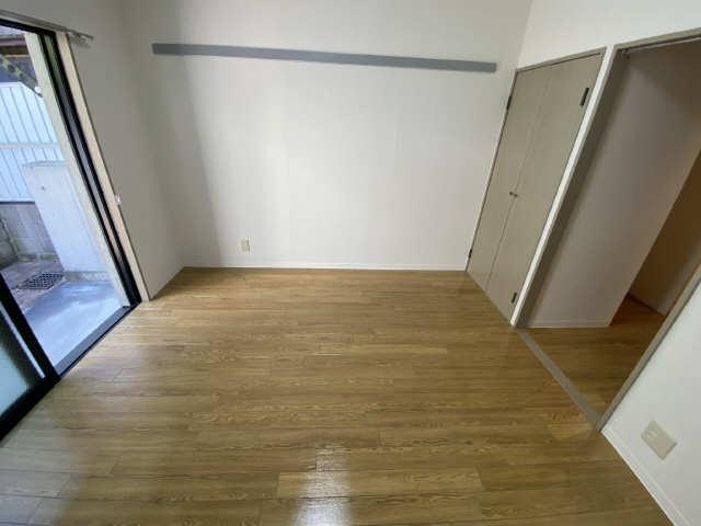 パークサイド江向 1階 洋室