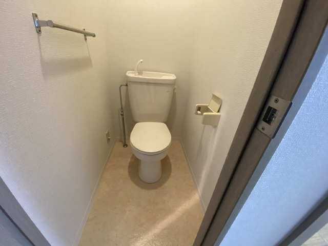パークサイド江向 1階 WC