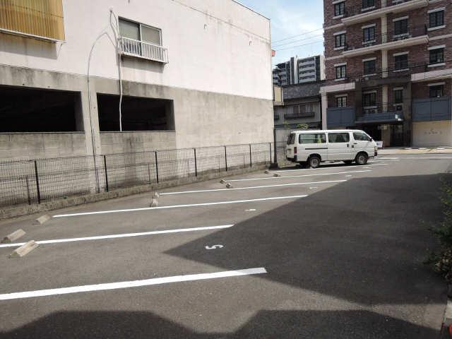 フォルクランド那古野 2階 駐車場