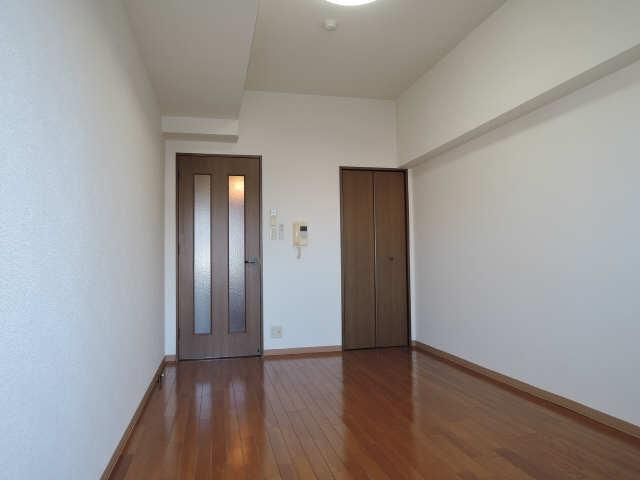 ベル名駅 8階 室内
