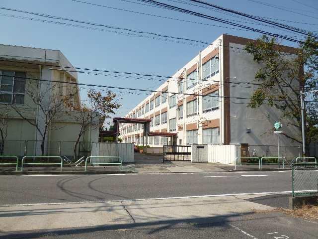 アトウレ名塚 名塚中学校