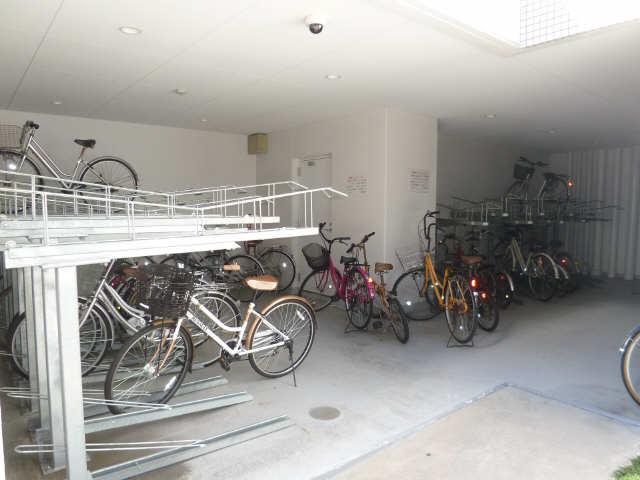 パルティール城西 12階 駐輪場