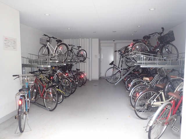 パルティール城西 7階 駐輪場