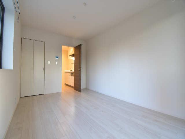 Levante 1階 洋室