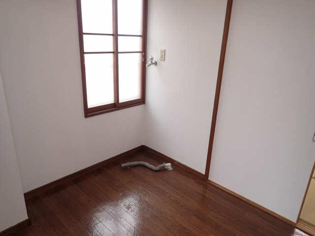 コーポあさひ弐番館 2階 洗濯機置場