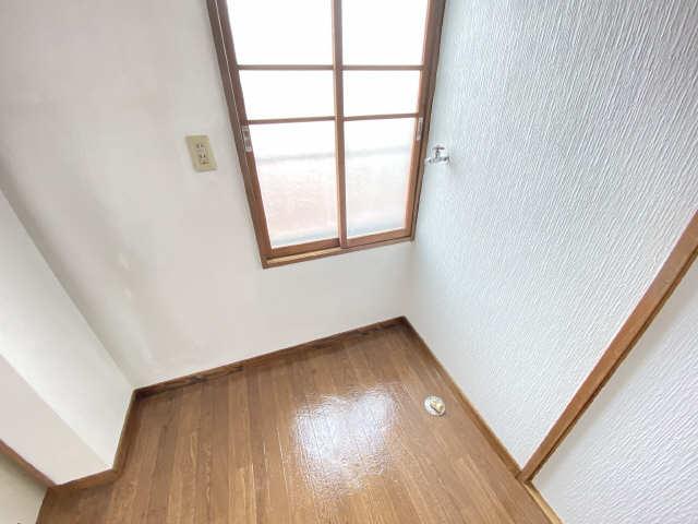 コーポあさひ弐番館 3階 洗濯機置場