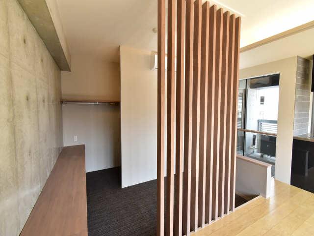 レジデンスT・L庄内通 8階 洋室