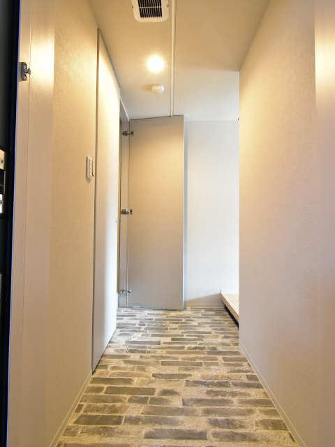レジデンスT・L庄内通 8階 玄関