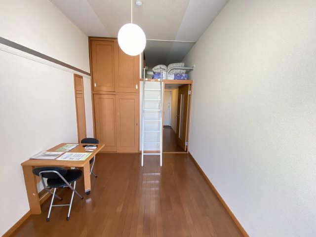 レオパレス西陵 2階 洋室