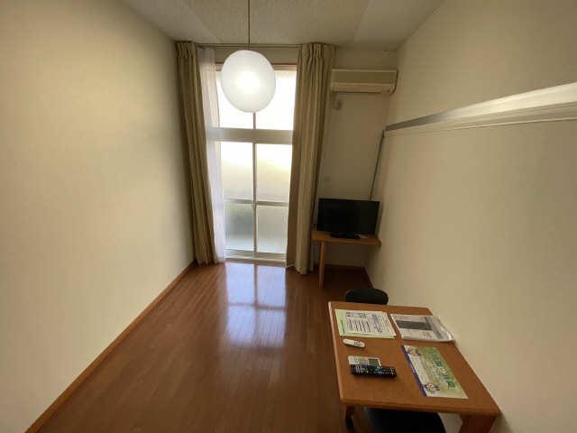 レオパレス西陵 3階 洋室