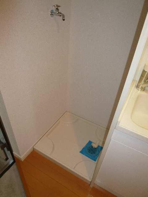 ラピュタ7 1階 洗濯機置場
