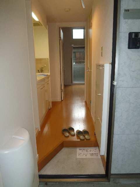 ラピュタ7 1階 玄関