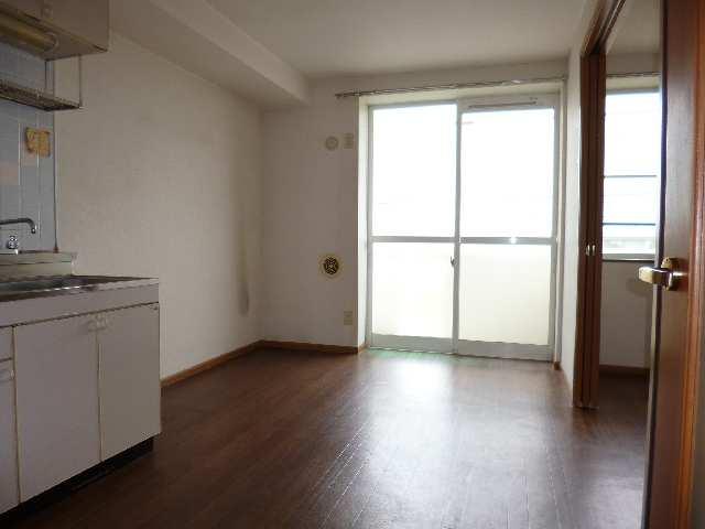 コーポラス北斗 2階 室内