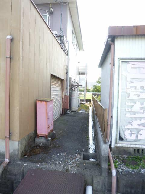 ピッコロ 2階 駐輪場
