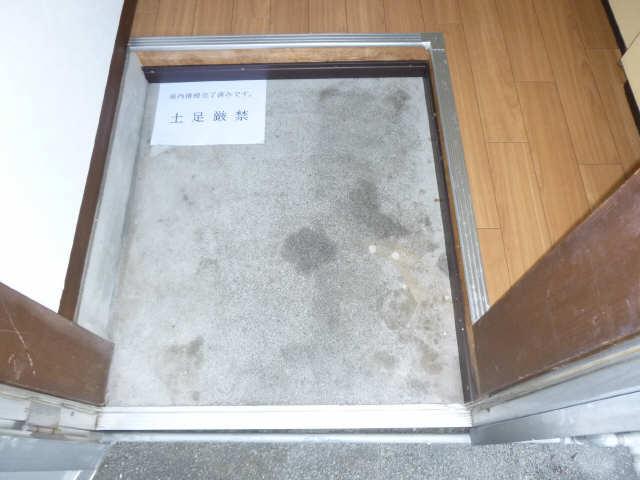 ピッコロ 2階 玄関