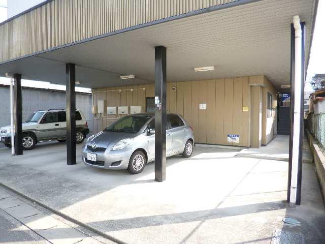 メゾンドM&R 1階 駐車場