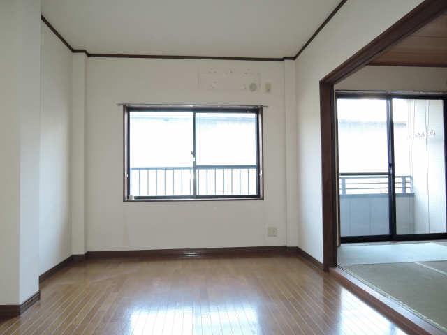 メゾンドM&R 1階 室内