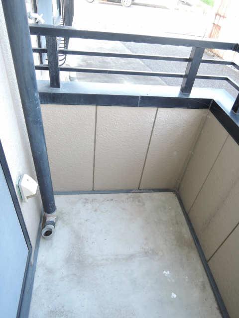 メゾンドM&R 1階 洗濯機置場