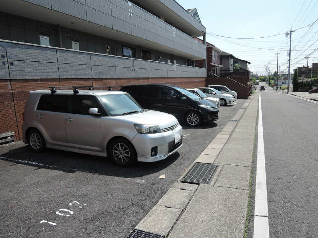 エトワール 駐車場