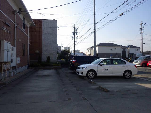 アンジェロF2 駐車場