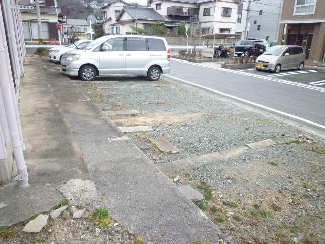 池田ハイツ 駐車場