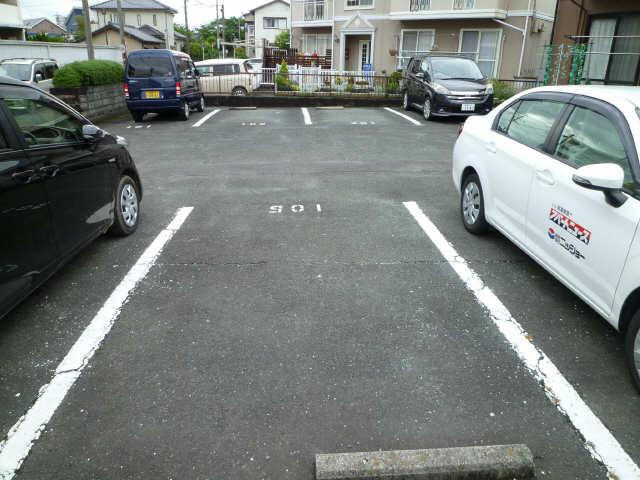 セジュール赤代 駐車場